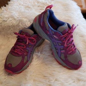 Asics Tennis Shoes Size 9